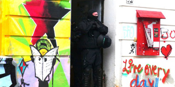 """Solidaritätserklärung zu den """"RAZ-Razzien"""": Es ist immer ein Angriff auf uns alle!"""
