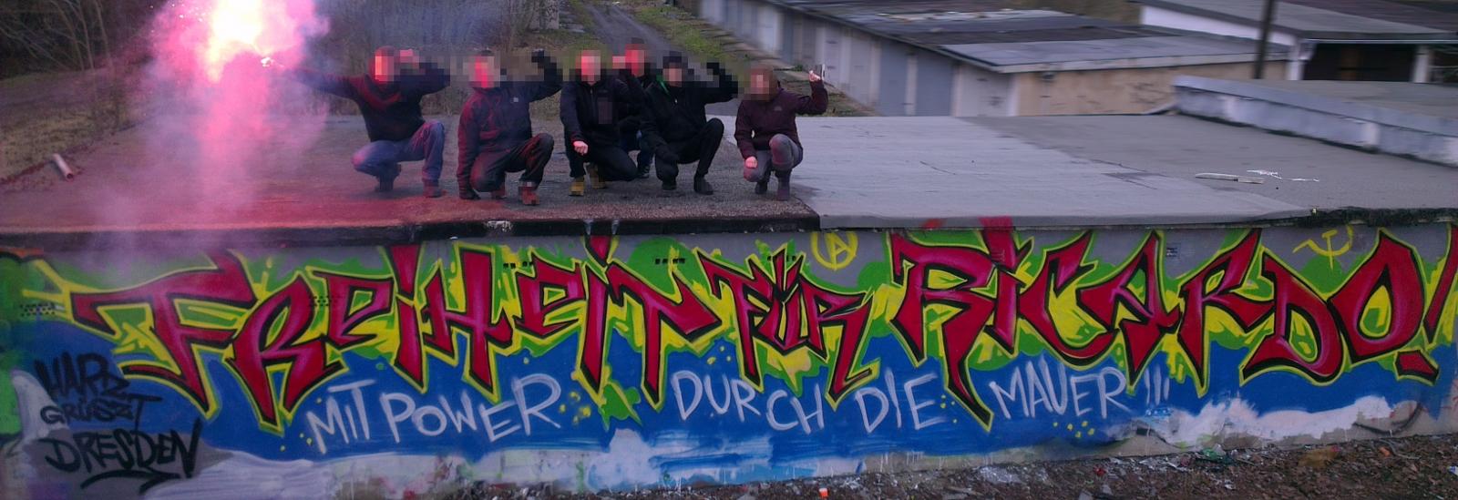 Graffiti - Freiheit für R.! Mit Power durch die Mauer!